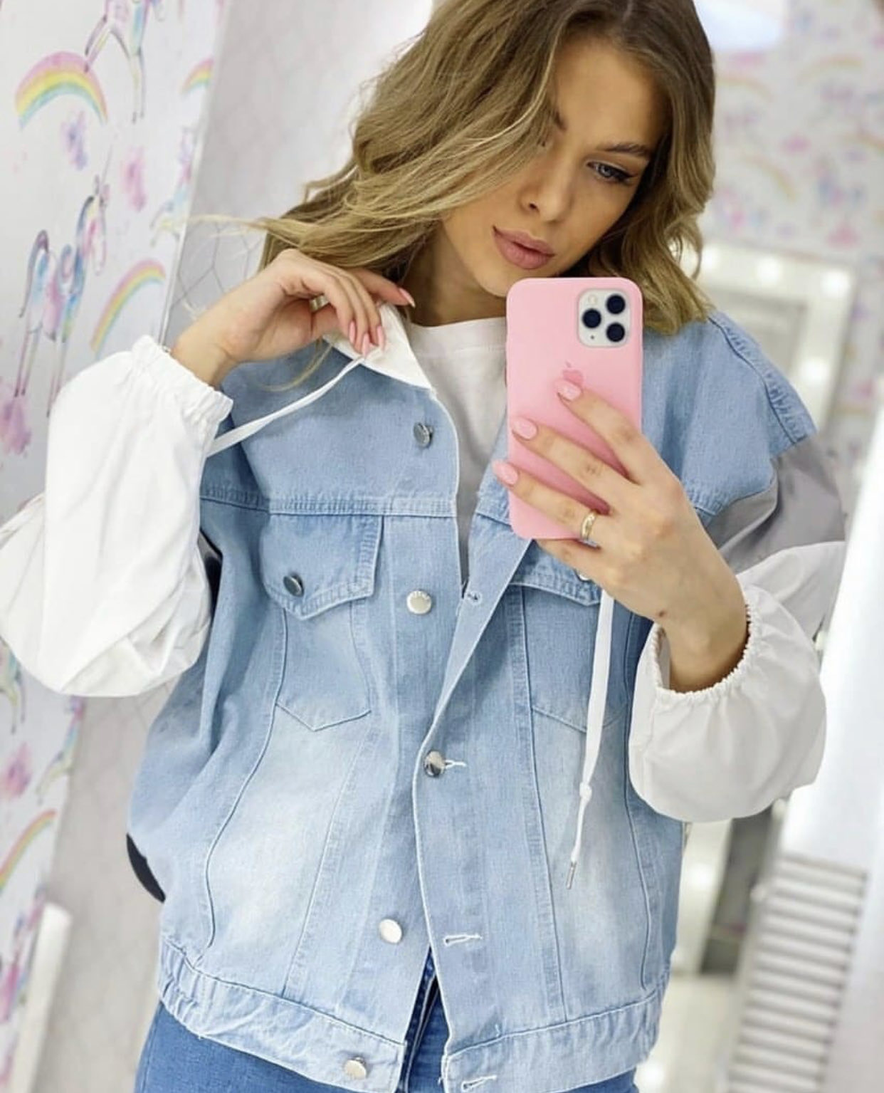 <p>I am looking for&nbsp;women&#39;s clothing: sweaters, blouses, cardigans, vests, jeans, etc. I want to buy in bulk. I am looking for honest, decent, reliable suppliers who are interested in working on a long-term basis. Thanks for your attention! Purchase volume: from 50-300 units per month&nbsp;</p>  <p>&nbsp;</p>  <p><em>(translated from russian)</em></p>