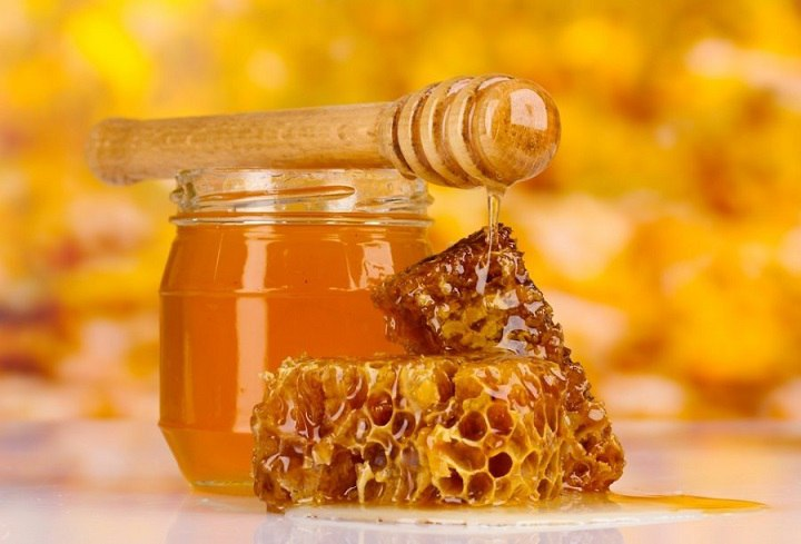 We buy honey at producer prices at least 500 kg.