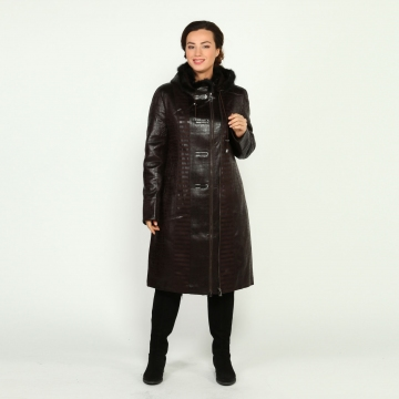 A large wholesale company, distribution throughout Russia, is looking for reliable large manufacturers of women's clothing. We work only with official companies, with all the documentation, and with own logistics. (I ask others not to disturb).