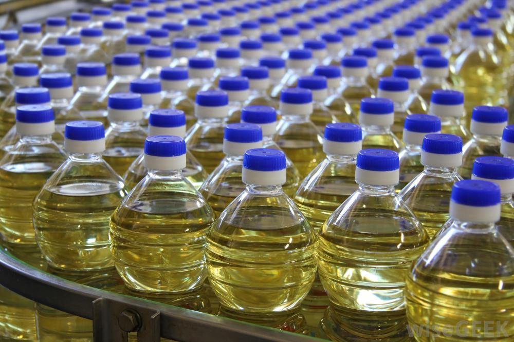 <p>Приветствую всех, нам нужен сахар белый и подсолнечное масло высшего сорта. Объем закупа подсонечного масла в&nbsp;месяц по 4-5 фур по 20 тонн. Объем сахара в месяц по 4-5 вагонов по 65 тонн.</p>  <p>Заключим долгосрочные контракты, если есть вопросы пишите и звоните!</p>  <p>&nbsp;</p>