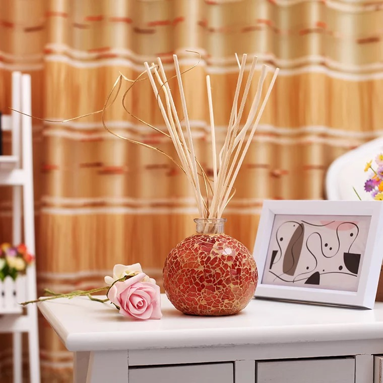 Air fresheners for home, office and car, in decorative diffusers WANTED