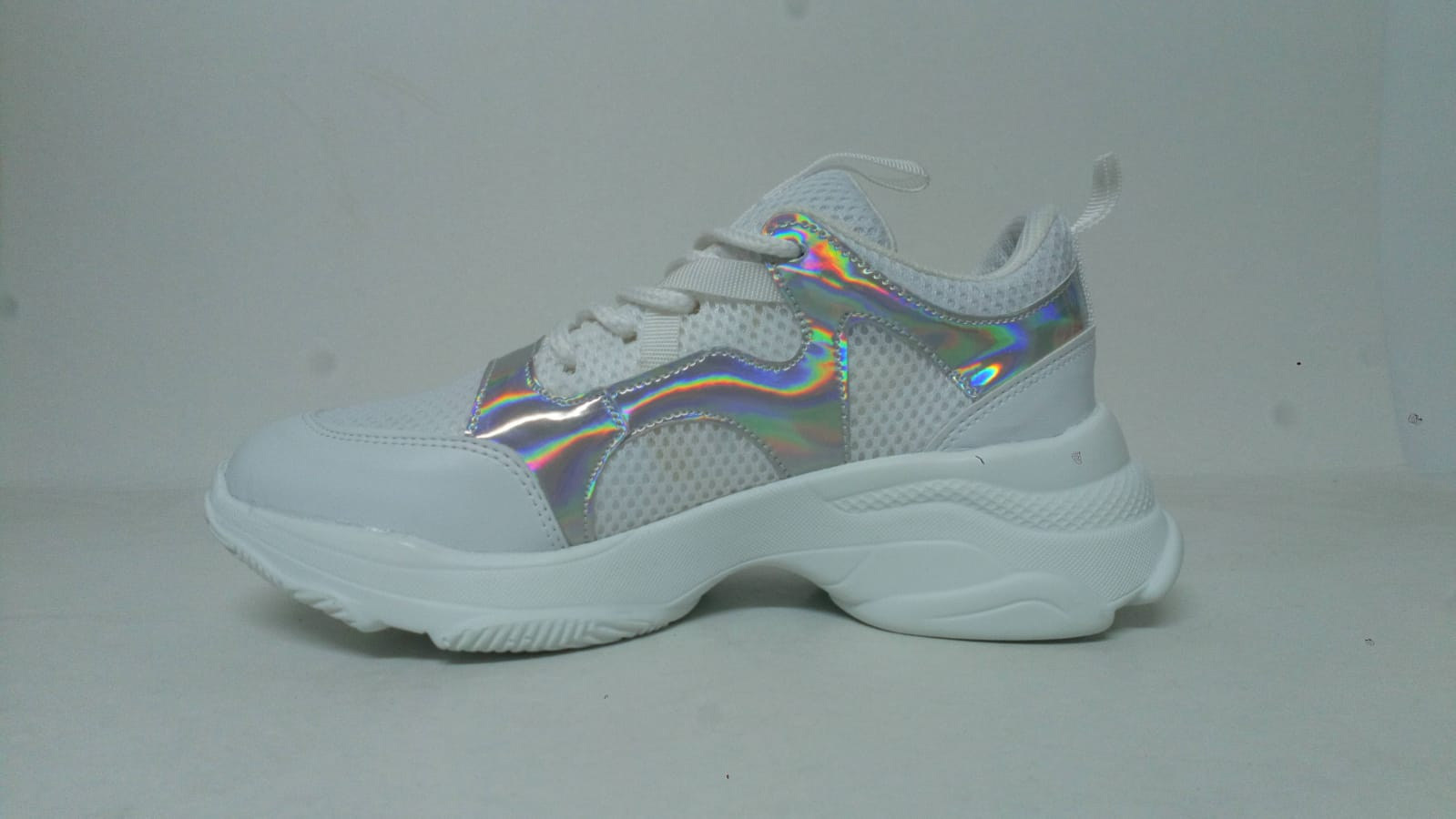 Hello! I will Buy wholesale sports footwear. At least 1000 pairs