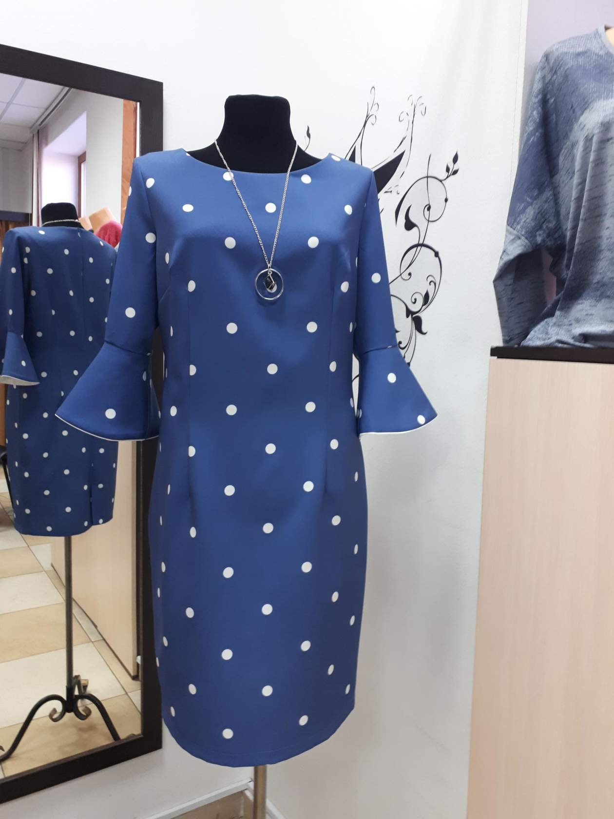 <p>Wholesale! Interested in women&#39;s dress sizes 46-58 for young women</p>
