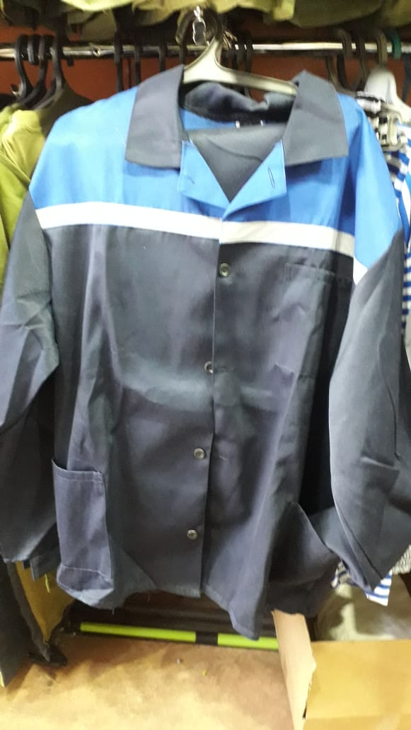 I will buy workwear. Synthetics or cotton. Price: $ 7 - $ 4. 400 units per month.